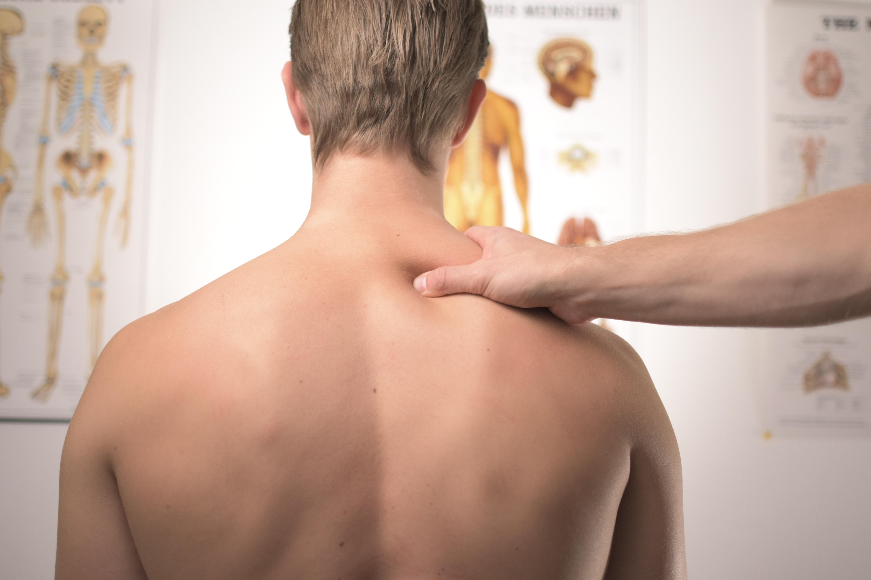 Twee miljoen mensen hebben last van hun rug of nek