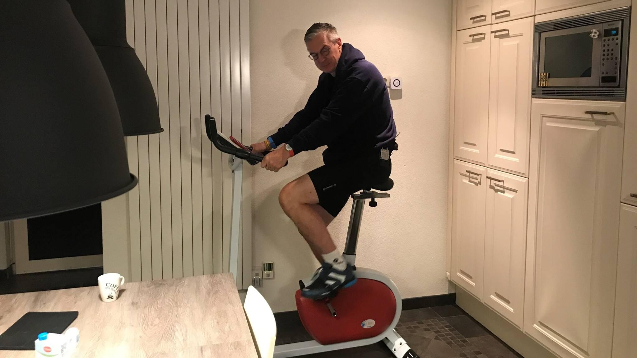 Parkinsonpatiënten gebaat bij thuis fietsen op de hometrainer